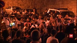 Warga Palestina Rayakan Pembongkaran Pendeteksi Logam