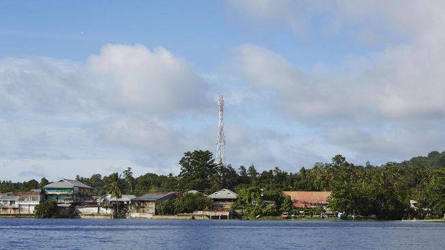 Beberapa menara BTS di Lombok, NTB, masih terganggu operasionalnya karena terbatasnya BBM untuk menyalakan genset dan mobilisasi petugas.