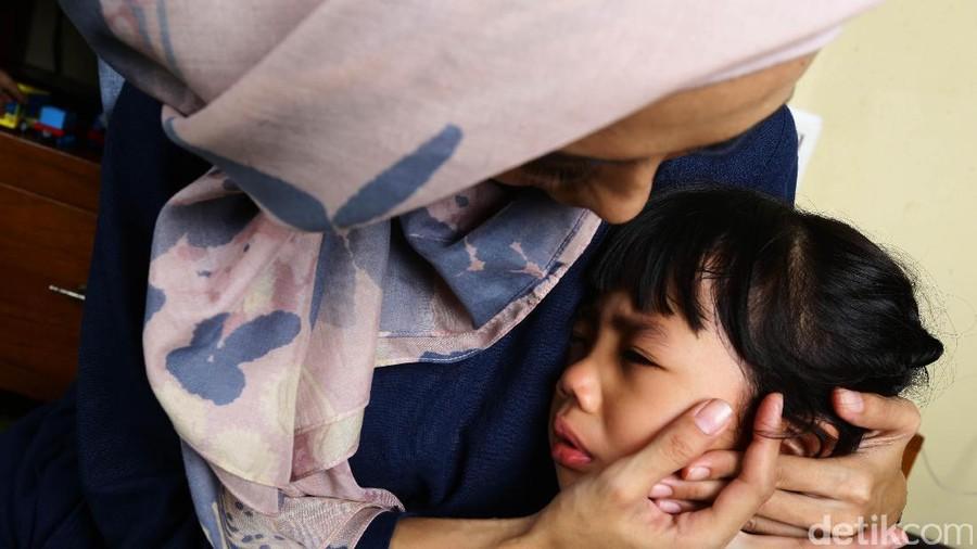 Orang Tua Menangis Di Depan Anak Yay Or Nay
