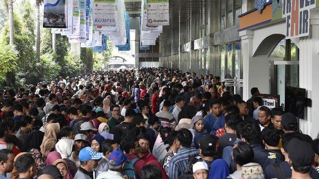 Tiket.com dan Pegipegi belum membuka akses diskon mereka. Hari ini baru Traveloka dan PT KAI yang membuka akses diskon tiket kereta api.