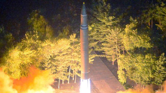 Korea Utara mengancam bakal melanjutkan uji coba rudal balistik antarbenua jika Amerika Serikat dan Korea Selatan tetap menjalankan latihan militer gabungan.
