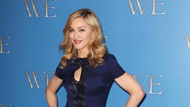 Madonna nggak segan berbagi rahasia menjaga kulit tetap sehat ke buah hatinya.