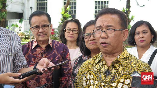 PGI meminta agar pendeta tidak terlibat politik praktis dan menghadirkan politik moral dalam pelaksanaan pemilu jika tidak ingin menimbulkan kegaduhan baru.