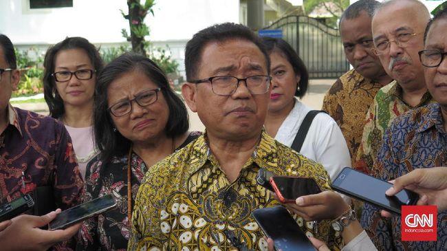 PGI mempermasalahkan pendekatan larangan yang diterapkan di berbagai hal di Indonesia, termasuk minuman beralkohol, yang membuat warga tak dewasa.