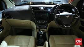 Alasan Lampu Kabin Mobil Harus Mati Kala Berkendara Malam