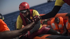 Uluran Tangan untuk Imigran yang Terancam Mati di Mediterania
