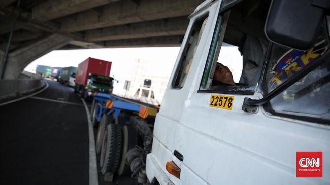 Plt Jubir KPK menyatakan pihaknya mendeteksi bahwa diduga barang-barang bukti yang dibutuhkan dalam penggeledahan di Kalsel telah dibawa truk sebelumnya.