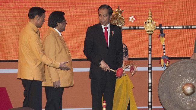 Presiden Joko Widodo meminta Partai Hanura ikut menjaga pelaksanaan Pilkada 2020 agar berjalan aman dan damai.