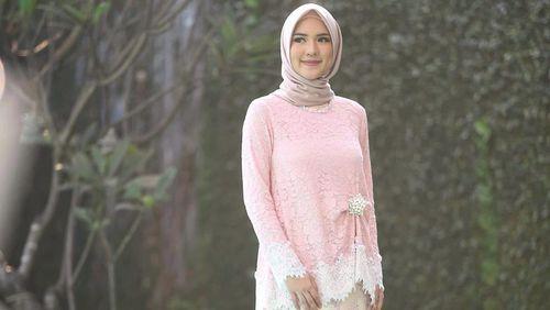 Foto: Inspirasi Baju Lamaran untuk Hijabers dari Para Selebgram Cantik