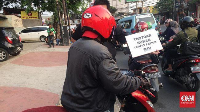 Polisi Kantongi Identitas Pemotor Serang Pejalan Kaki Trotoar