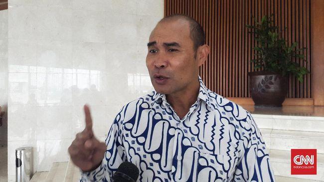 Ketua DPP NasDem, Willy Aditya menyebut Viktor Laiskodat tetap menjabat sebagai Gubernur NTT dan tak bakal merapat ke Istana Negara sebagai menteri Jokowi.