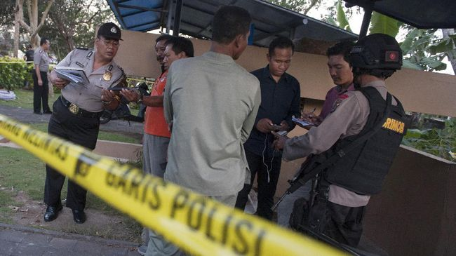 Seorang wartawan media online Jawa Timur dianiaya pemain Sindo Dharaka saat meliput laga lanjutan Liga 3, di Stadion Sport Garden, Jember, Jawa Timur.