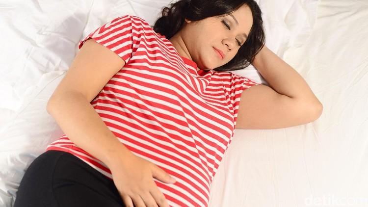 Perubahan pola tidur membuat tantangan tersendiri bagi ibu hamil yang berpuasa. Simak pemaparan tips tidur dari pakar yuk, Bun.