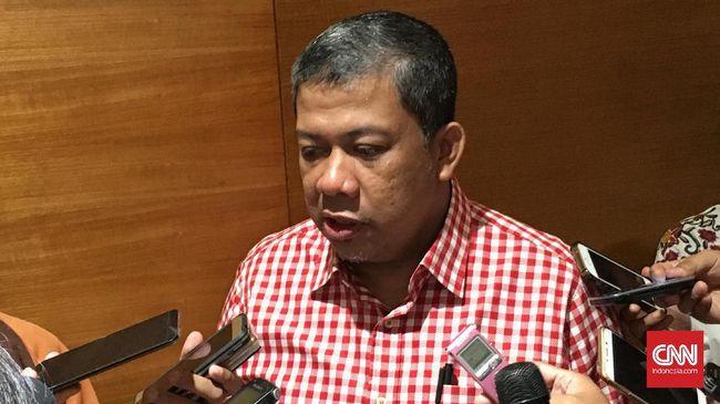 Fahri Hamzah menilai Jokowi terlalu naif menyikapi isu kebangkitan PKI belakang ini. Fahri mempertanyakan penyataan Jokowi soal gebuk PKI.