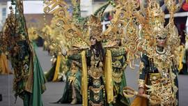 Menikmati Jember Fashion Carnival dengan Hembusan Asian Games