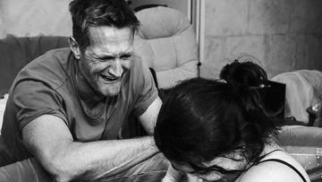 Foto: Dramatis! Tangis Haru Seorang Ayah Saat Bayinya Lahir