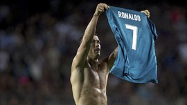 Kisah Indah El Clasico: Selebrasi Pamer Jersey Messi-Ronaldo