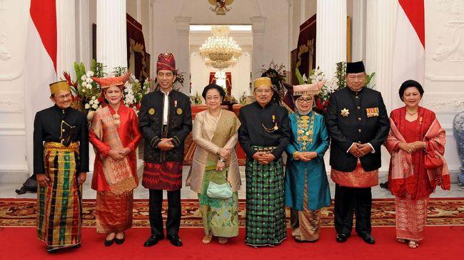 SBY dan Megawati serta mantan presiden lainnya menggelar pertemuan tertutup dengan Presiden Jokowi dan JK usai upacara HUT ke-72 RI.