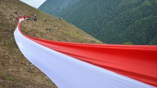 Bendera Terbalik, Protes Unik Warga Solo Ini Viral di Medsos