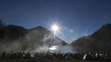 Gunung Semeru Meletus, Jalur Pendakian Sementara Ditutup