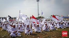 FOTO: Milad FPI, Gerakan Salat Subuh, dan Lagu Sabang-Merauke