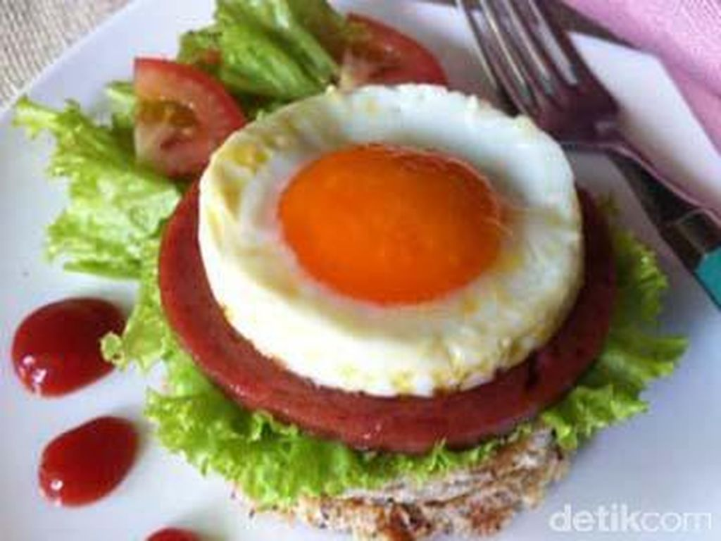 PISCES: Sifat artistik Anda cocok dengan tampilan telur 'sunny side up'. Anda bisa saja menginginkan telur ini dengan kuning telur yang sempurna bulatnya.Foto: detikfood