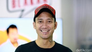 Bangganya Tora Sudiro Si Kecil Ikut Kompetisi Tari Internasional