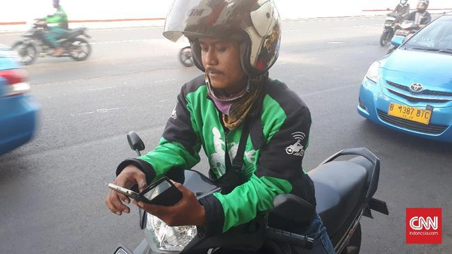Gojek mengapresiasi larangan penggunaan GPS (global positioning system) saat berkendara demi keselamatan penumpang dan pengendara.