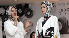 Hijab Dian Pelangi Jadi Sorotan di New York Fashion Week