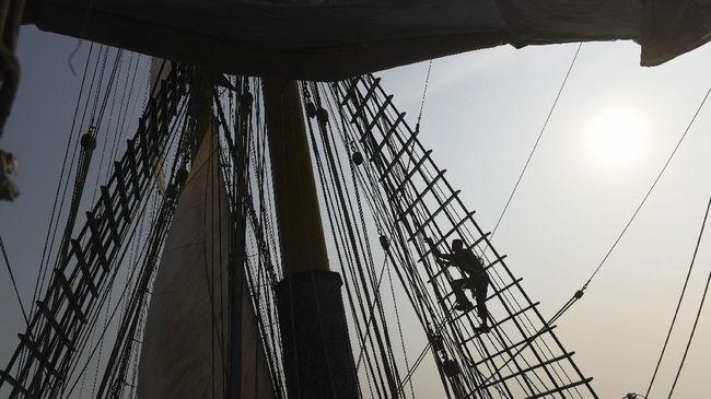 Kesaksian ABK asal Indonesia di kapal China yang tak mendapatkan gaji selama 8 bulan. Kapten kapal juga berencana ingin membuang jenazah ABK WNI ke laut.