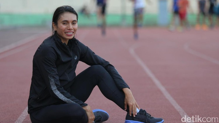 Bertekad menyelesaikan tugas sebagai atlet nasional, Maria Natalia Londa menunda untuk punya momongan.