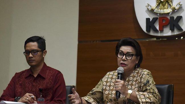 Bupati Nganjuk Taufiqurrahman menambah daftar kepala daerah yang dicokok KPK tahun ini. Setidaknya tujuh kepala daerah ditangkap karena diduga menerima suap.