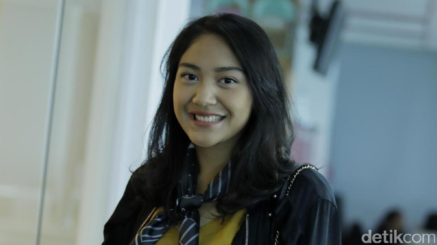 Nilai Kemandirian yang Bisa Dipelajari Anak dari Putri Tanjung