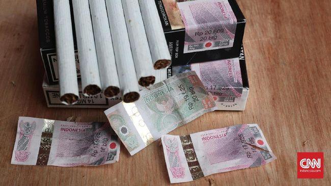 Presiden Joko Widodo akan menaikkan tarif cukai rokok 23 persen tahun depan. Hal ini membuat rata-rata harga jual eceran rokok diperkirakan meningkat 35 persen.