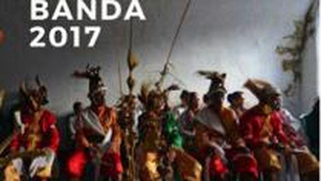 Bagi Anda yang belum sempat berlibur tahun ini, cobalah pergi ke Banda di Maluku.