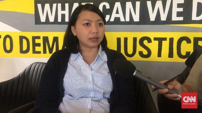 Deputi Koordinator KontraS Putri Kanesia mengatakan ada beberapa narapidana telah sakit-sakitan dan berusia lanjut yang pengajuan grasinya ditolak Jokowi.