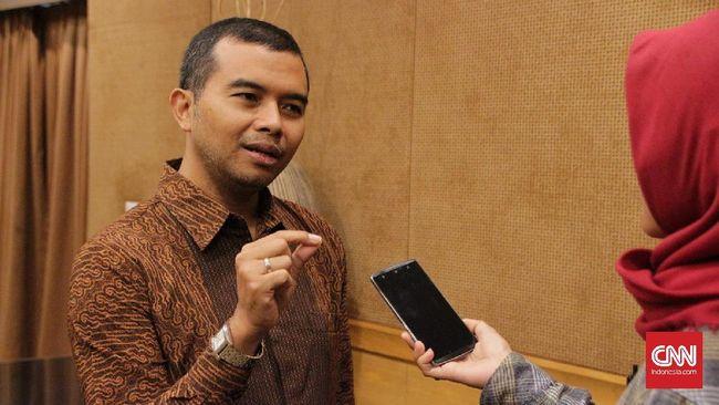 Akun WhatsApp (WA) Koordinator ICW, Adnan Topan Husodo dan delapan pekerja ICW lainnya diduga diretas di tengah polemik penonaktifan 75 pegawai KPK.