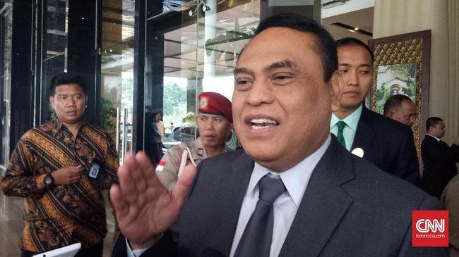 Wakapolri Komjen Syafruddin mendukung wacana kenaikan gaji agar bisa meredam pungutan liar yang tak jarang dilakukan oknum kepolisian.