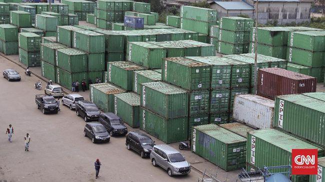 Salah satu alasan lamanya lintas barang adalah persyaratan yang diminta berbagai instansi. Koordinasi dilakukan agar masa proses izin itu bulan depan.