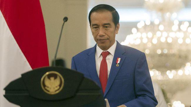 Presiden RI Joko Widodo mengeluhkan masih banyak masyarakat tidak mengetahui hasil kerja pemerintah selama hampir tiga tahun terakhir.
