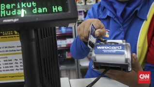 Masyarakat Ngerem Gesek Kartu Kredit di Tengah Corona