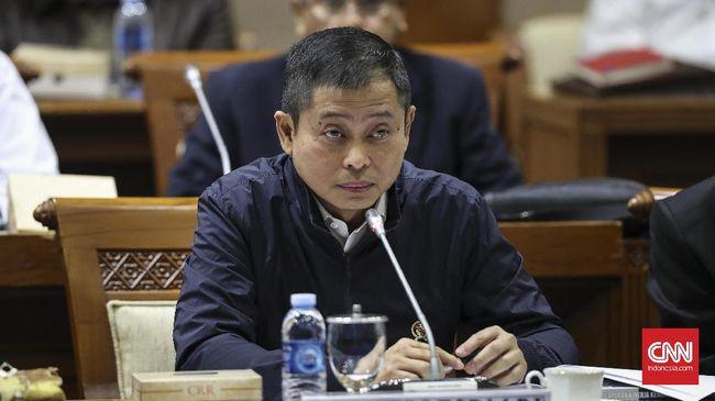 Kementerian ESDM mengancam bakal memangkas kuota produksi perusahaan tambang jika perusahaan terkait tidak menempatkan devisanya di dalam negeri.