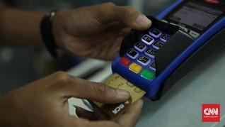 Bank Bersiap Gunting Bunga Kartu Kredit