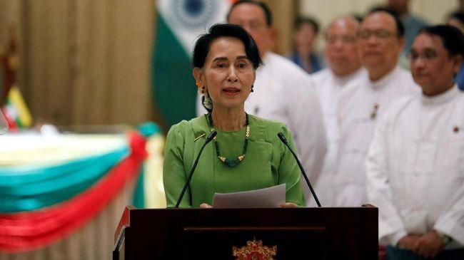 Pemimpin Myanmar Aung San Suu Kyi telah menghadapi rentetan kritik internasional karena tidak menghentikan kekerasan tersebut.