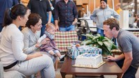 <p>Max ikut merayakan ulang tahun ayahnya. (Foto: Facebook/ Mark Zuckerberg) </p>