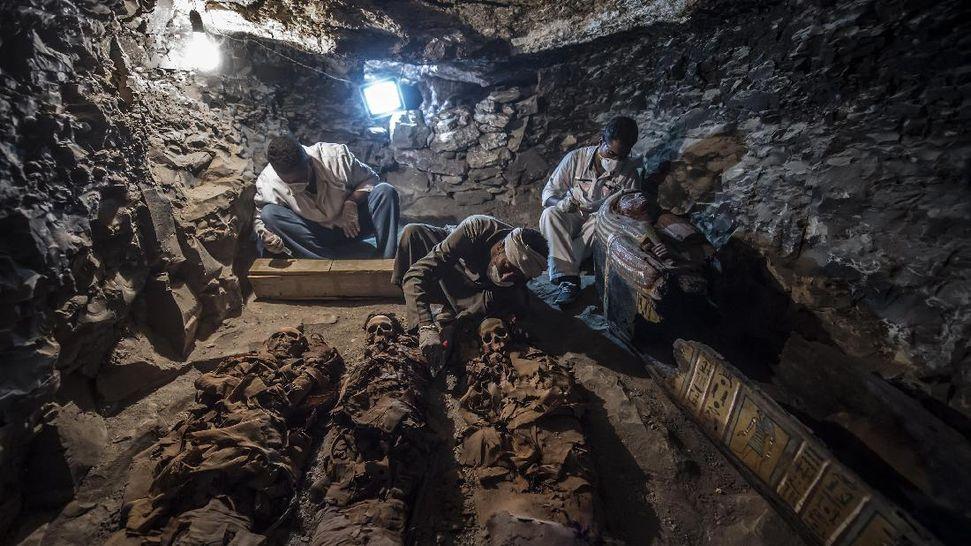Hasil gambar untuk makam ahli emas kerajaan mesir kuno