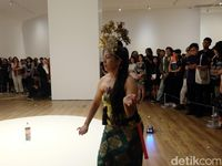 Lukisan 'lingga-yoni' Arahmaiani Akhirnya 'pulang' Ke Indonesia