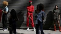 FOTO: Gaya Unik Para Pengunjung New York Fashion Week 2017