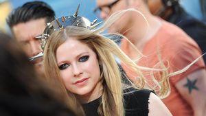 Avril Lavinge dan EXO, Artis Paling Berbahaya di Internet