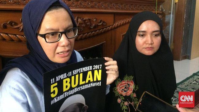 Selain sikap atas eks PKI, KontraS juga meminta calon presiden dan wakil presiden memaparkan pandangannya terhadap Ahmadiyah dan kelompok LGBT.